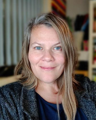 billede af Linda Poulsen, grafisk designer hos DKPU